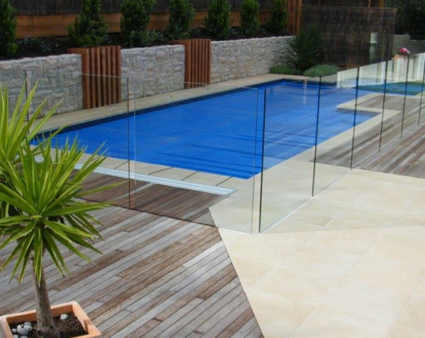 Mornington Peninsula landscaper tips – pool construction and pool surrounds